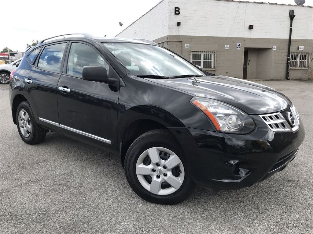 Pre-Owned 2014 Nissan Rogue Select S